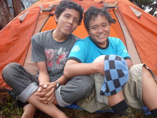 Adhitya dan Emil