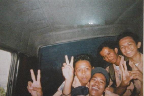 Foto 4: (Kiri ke Kanan) Adhitya Fernando - Nur Irwanto - Teguh Dermawangsa - Meretsa Riauzi