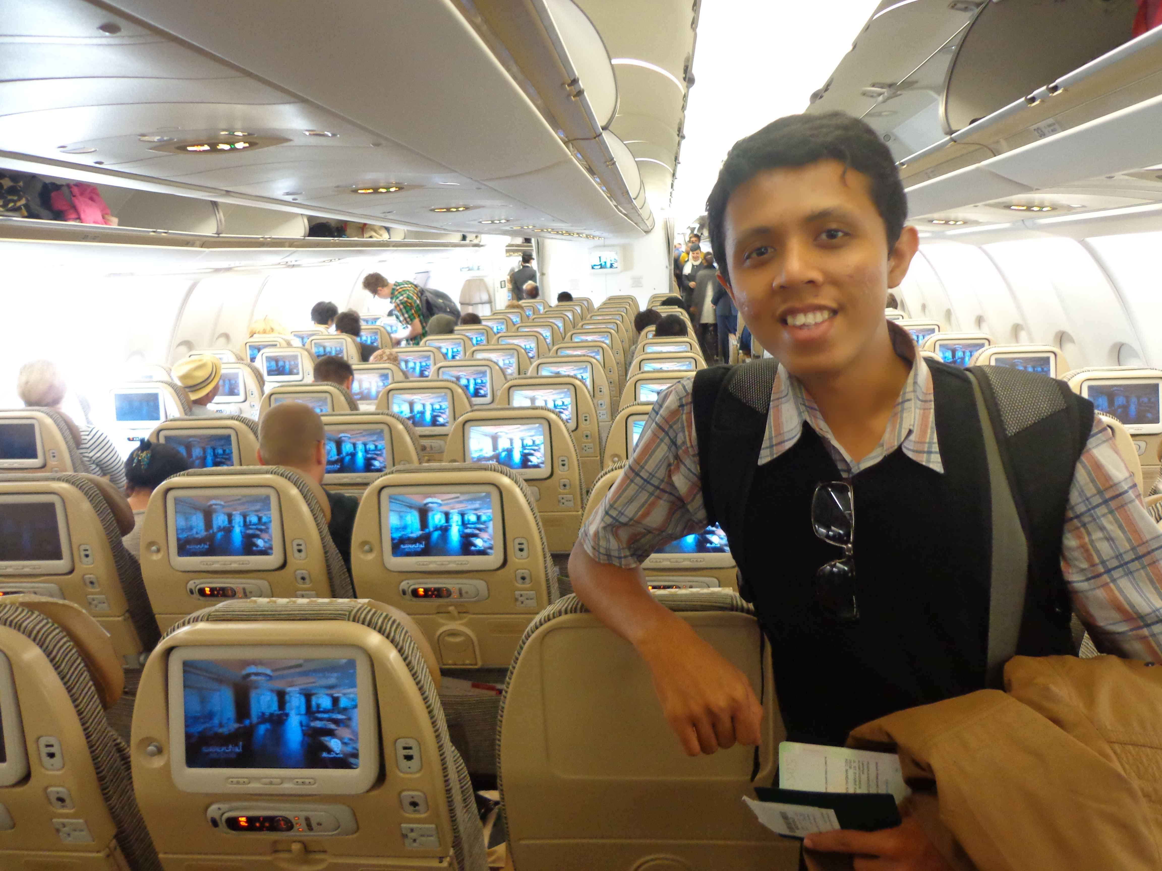 Di dalam pesawat Airbus A330-300 menuju Frankurt, Jerman