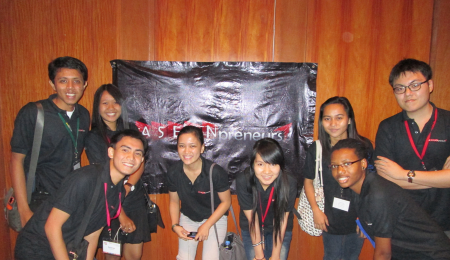 Akselerasi sukses dengan personal branding_Adhitya Fernando (group)