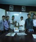 Adhitya bersama pengurus HMI Cabang Pekanbaru mengunjungi Riau Pos