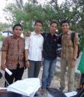 Adhitya bersama beberapa teman-teman HMI