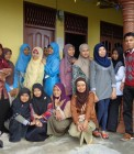 Adhitya bersama teman-teman sekelas Kimia C UIN Suska Riau