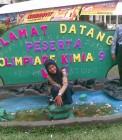 Adhitya saat mendampingi siswa Mamberti di Olimpiade Kimia Universitas Riau