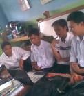 Adhitya bersama teman-teman PPL