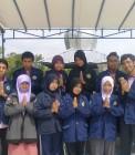 Adhitya bersama teman-teman KKN UIN Suska Riau