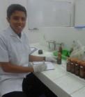 Adhitya saat penelitian di laboratorium
