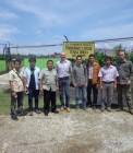 Adhitya bersama tim EnReach di Pembangkit Listirk Biogas Tandun